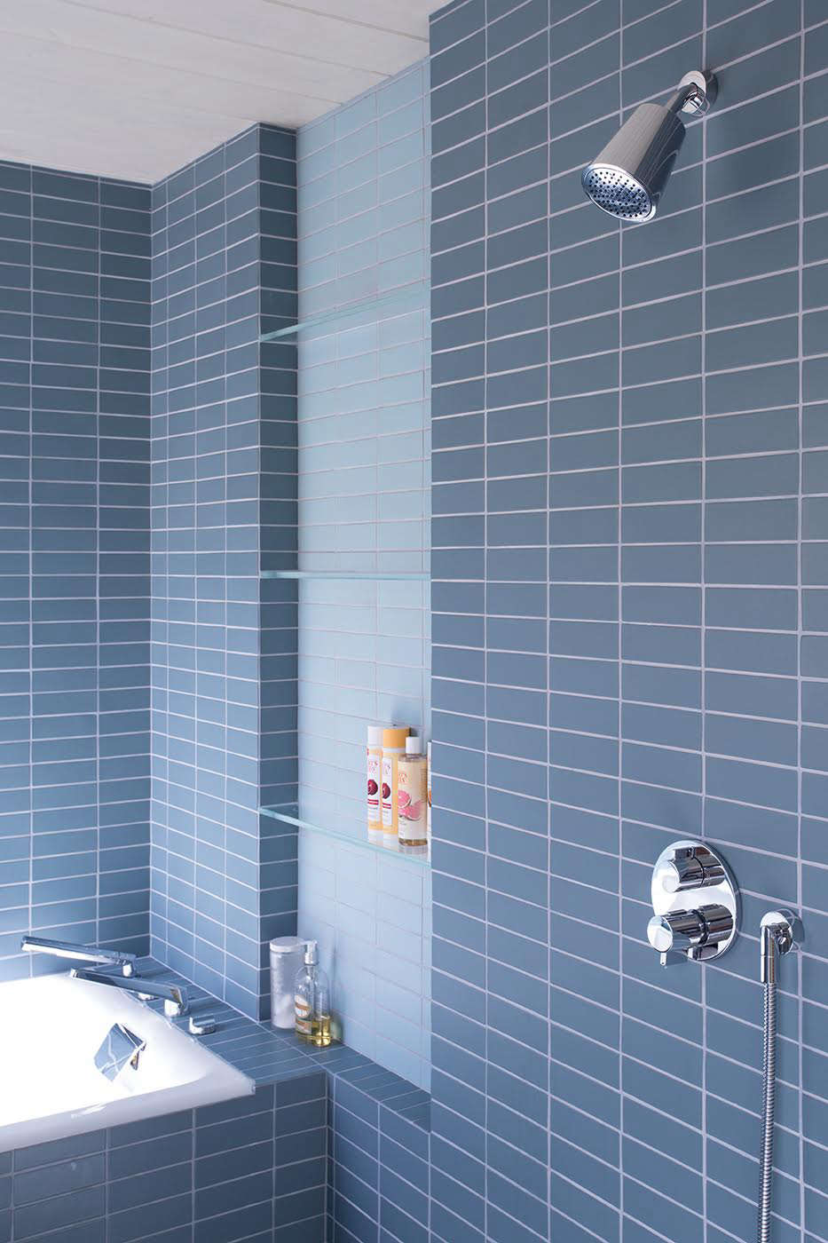 Klopf architecture blue tile white grout remodelista 1