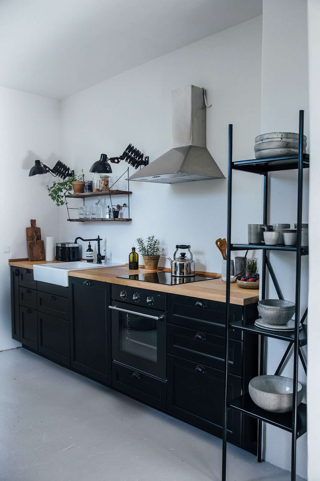 Kitchen of the week a diy ikea country kitchen for two - Plan de travail ikea cuisine ...