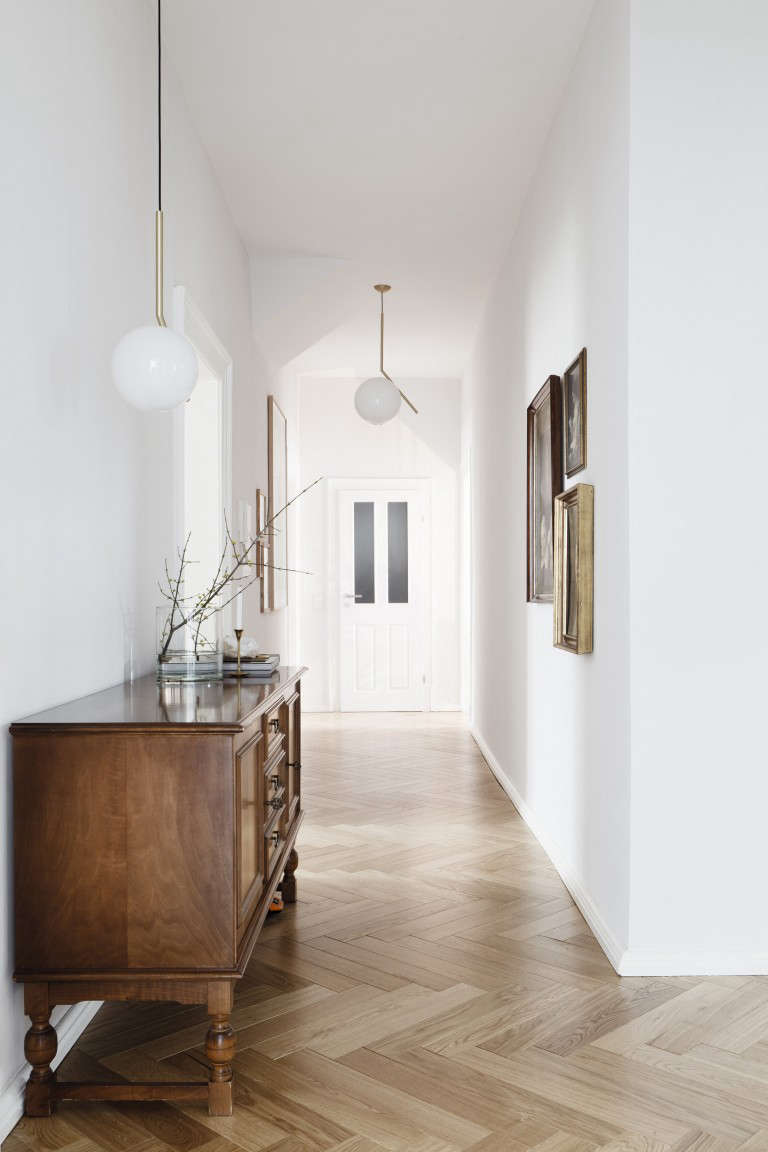 Difference Between Foyer And Hallway : Remodeling the difference between chevron and