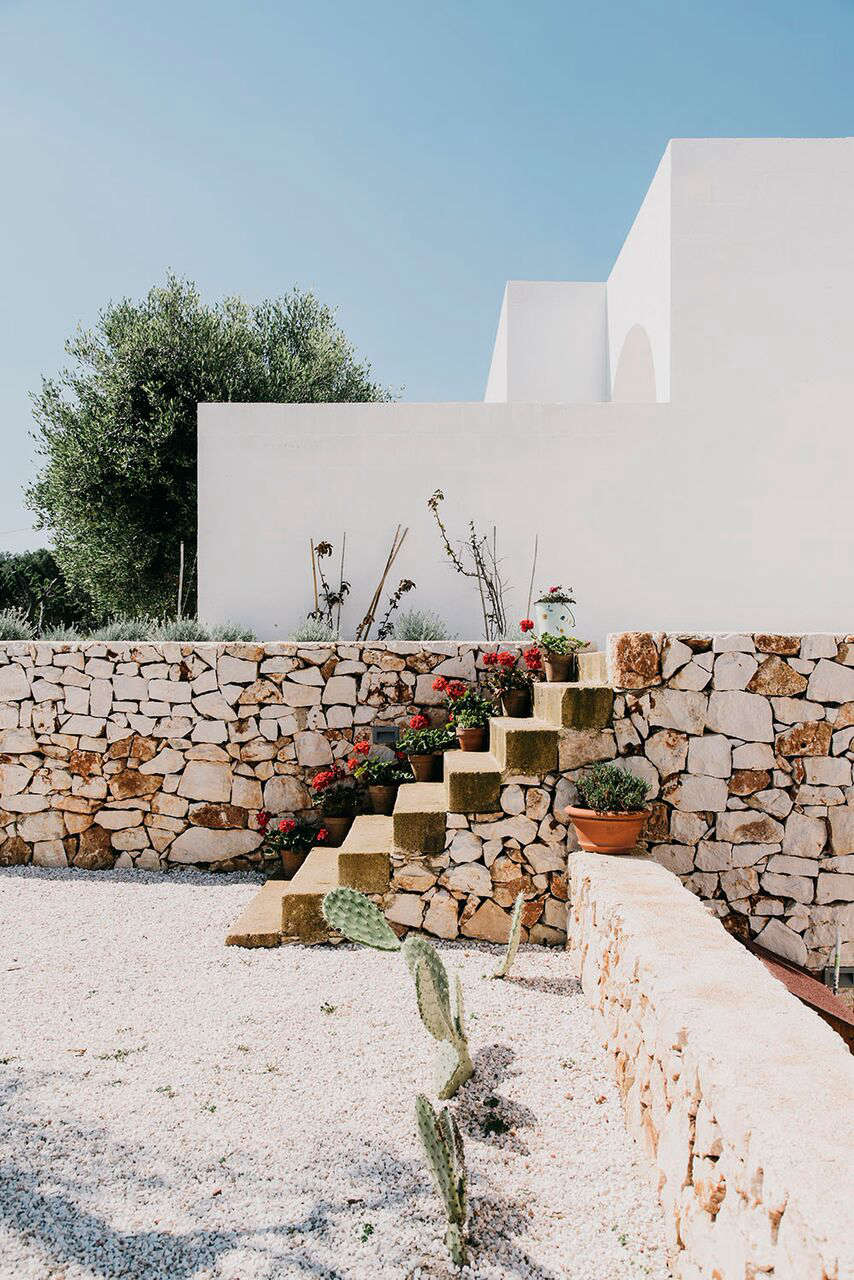 A Modern Masseria In Puglia With Traditional Influences