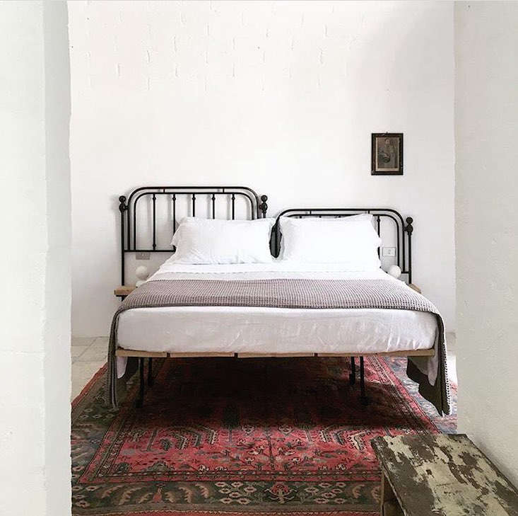 masseria-moroseta-iron-bed