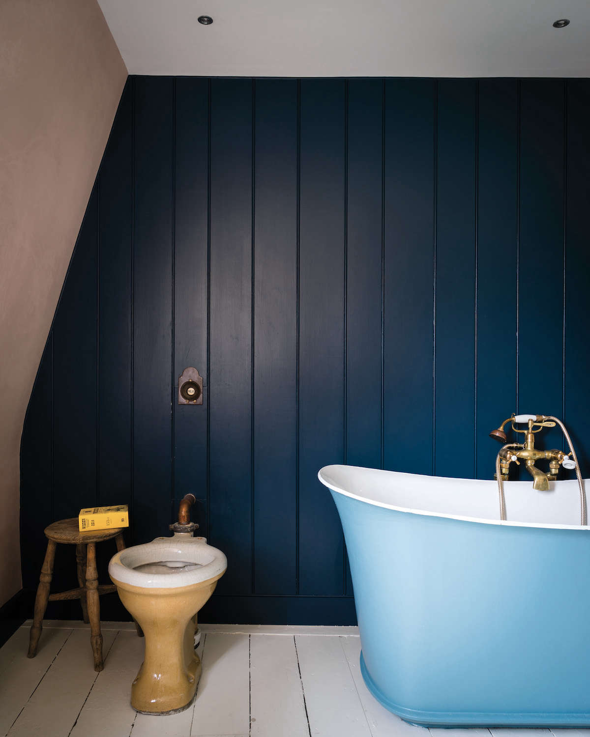 Farrow U0026 Ball Book, How To Decorate: Bathroom With Pink And Navy Blue Paint