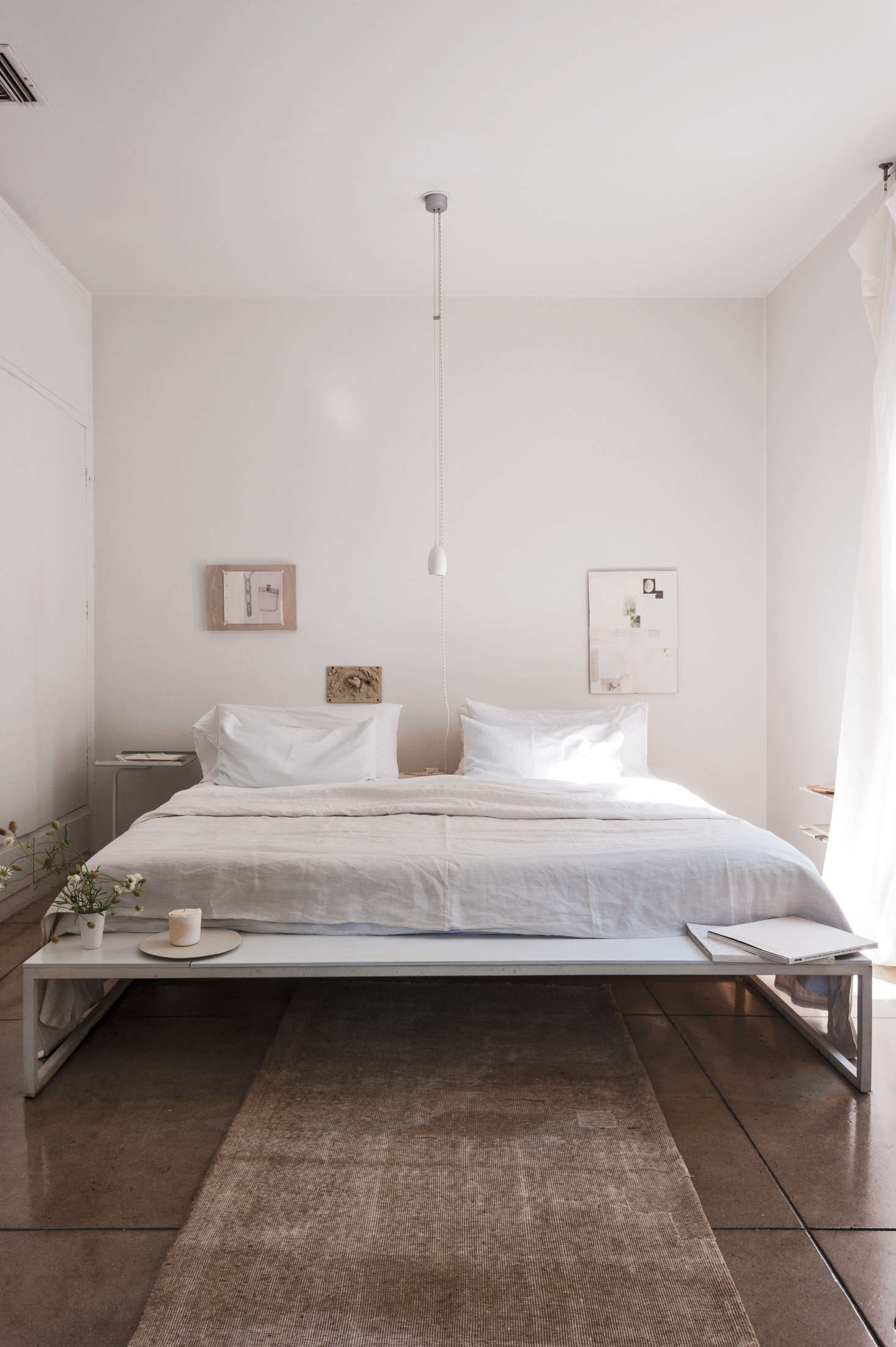Expert Advice: How To Make a Small Bedroom Look Bigger