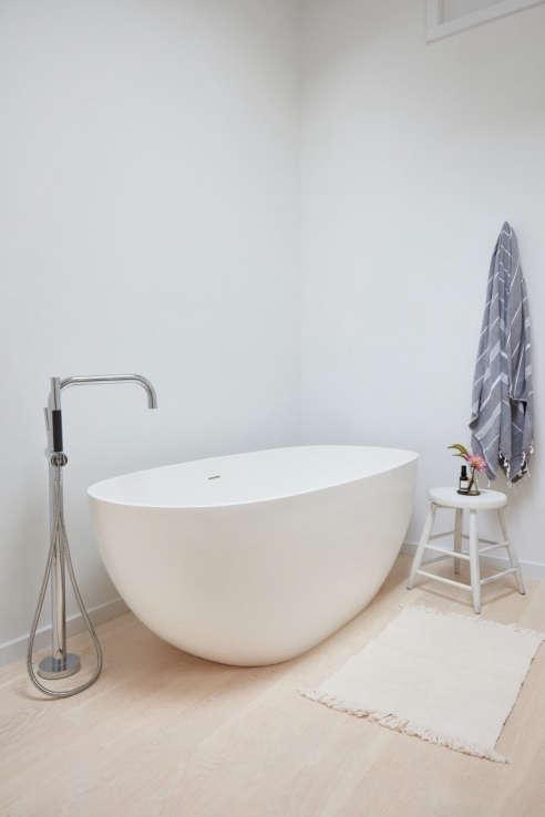 Boyce Acrylic Freestanding Tub