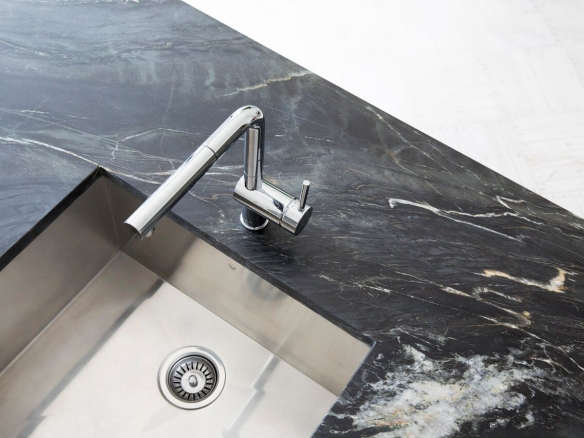 Blanco Linus Pullout Kitchen Faucet with Dual Spray