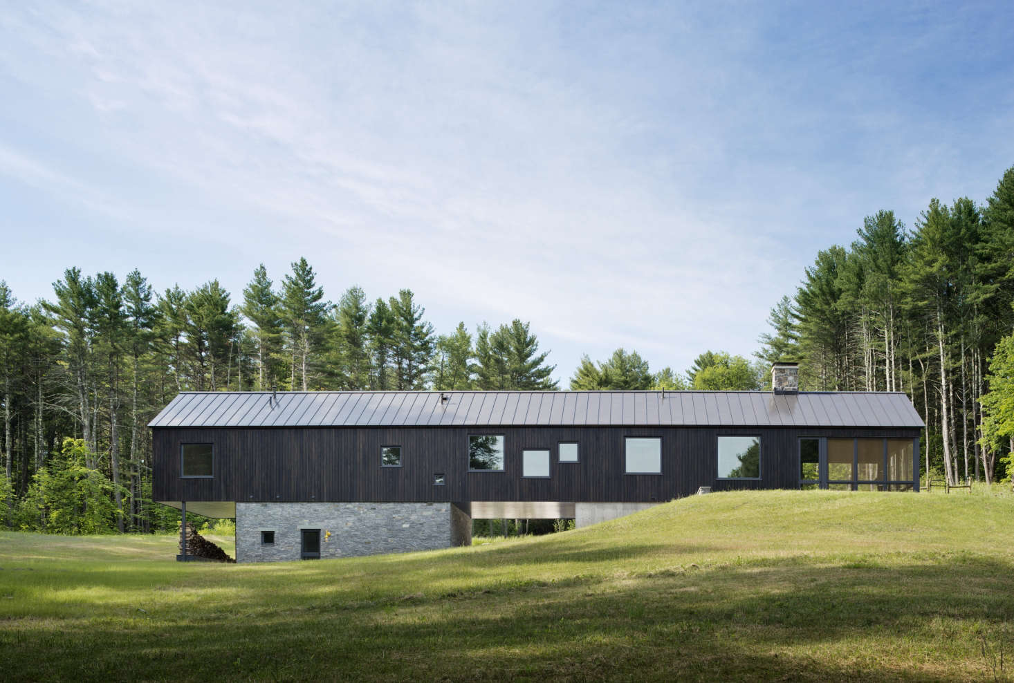 Undermountain a low-impact barn-style house in the Berkshires by O'Neill Rose Architects