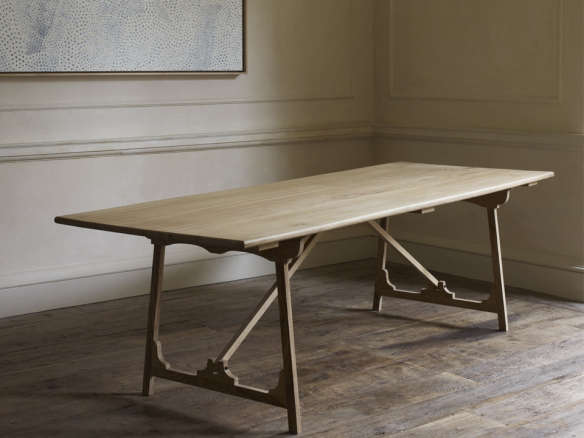 10 Easy Pieces Traditional Refectory Tables Remodelista : rose uniacke folding campaign refectory table 584x438 from www.remodelista.com size 584 x 438 jpeg 149kB