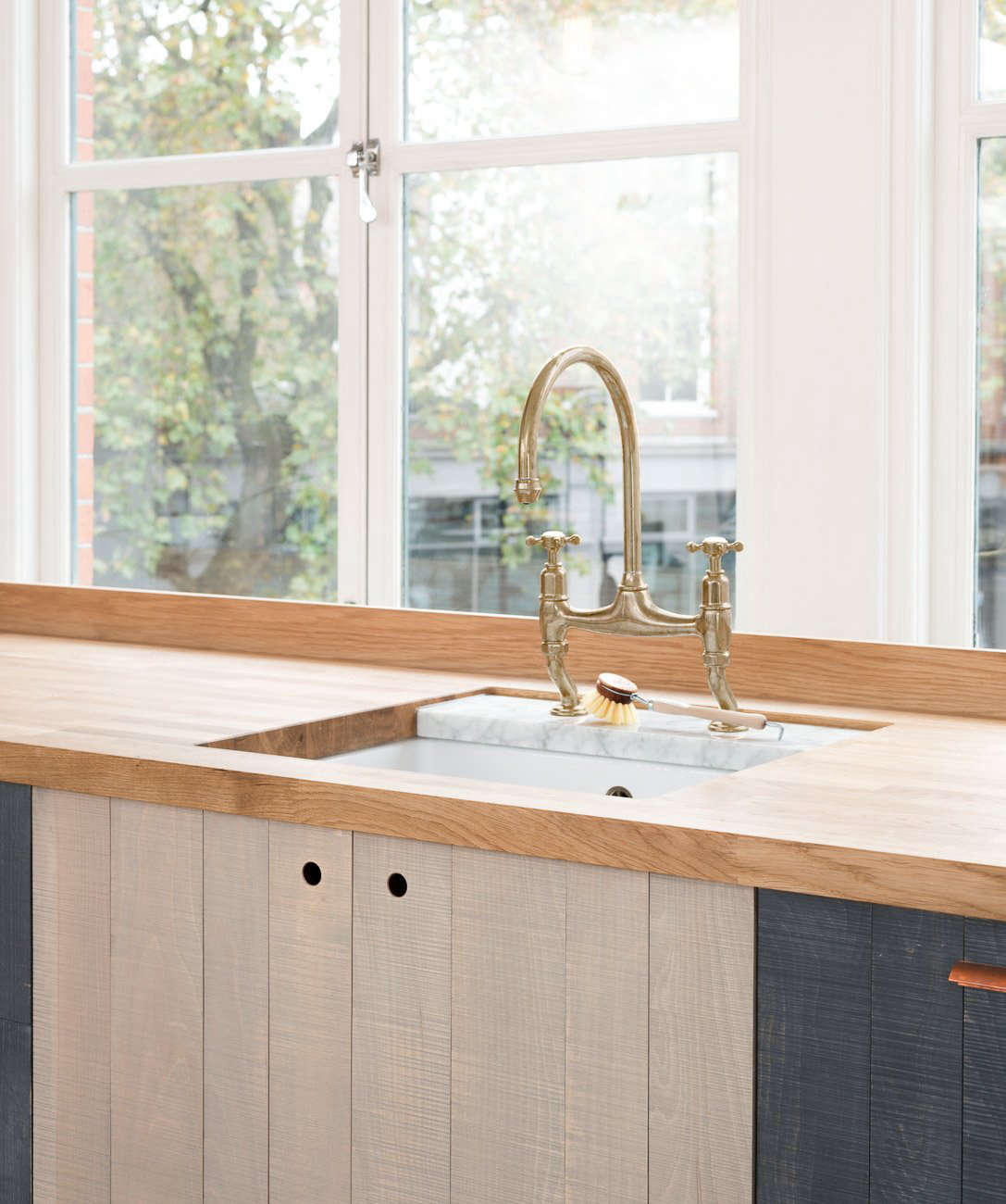Remodeling 101: Cutout Cabinet Pulls - Remodelista