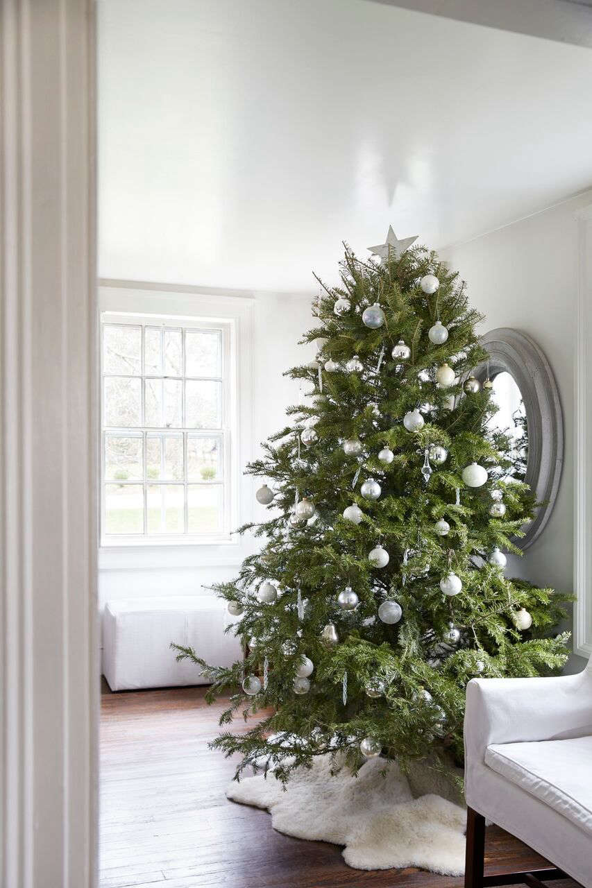 The Monochrome Holiday: 8 High/Low Design Tips from Tricia Foley ...
