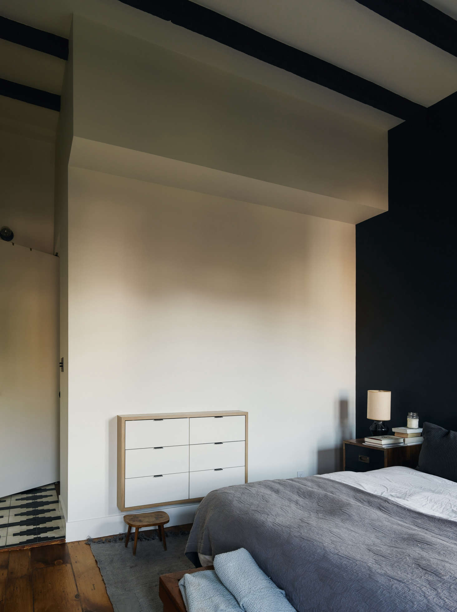 Architectural built ins for the bedroom 15 favorites from for Bed built into floor