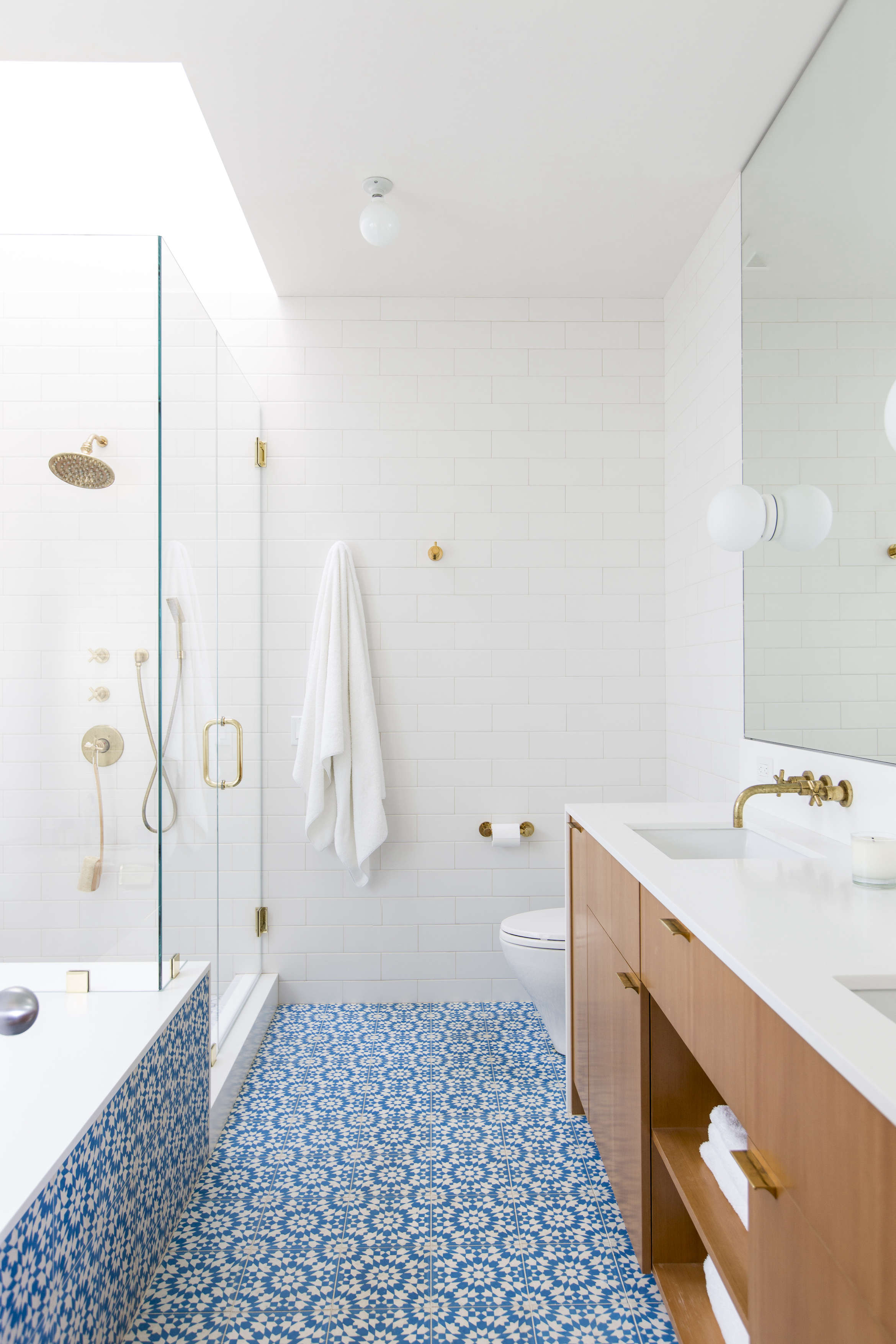 Steal This Look: A Modern Moroccan Style Bath in Los Angeles ...