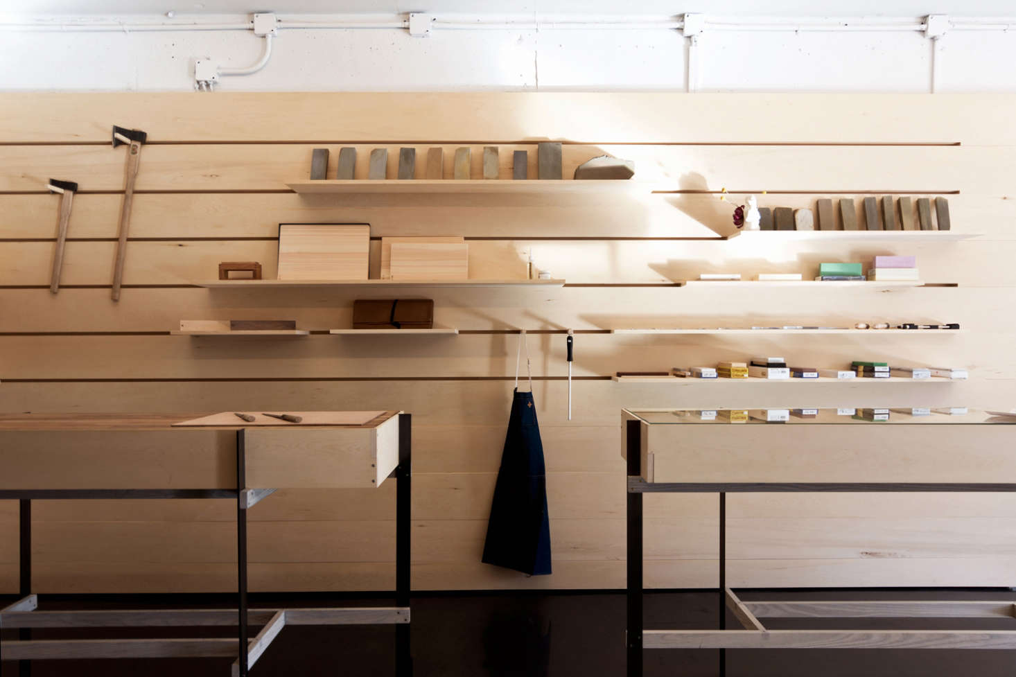 Shopper 39 s diary an architect designed artisan knife shop for Scott and scott architects