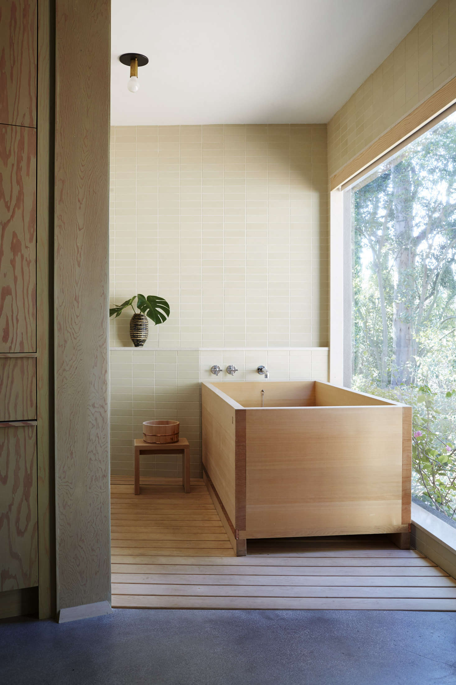 A Hinoki Wood Bathtub In The Rudolph Schindleru2013designed Hollywood Hills  Home Of Designer Pamela