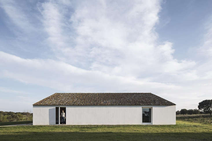 casa no tempo by aires mateus in portugal