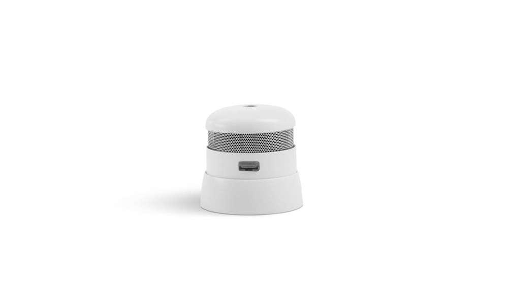 7 Essentials Smoke Alarms With Smart Designs Remodelista