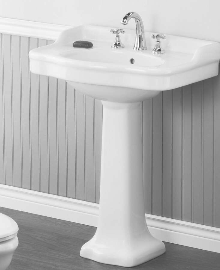 Gentil Cheviot Antique Pedestal Sink