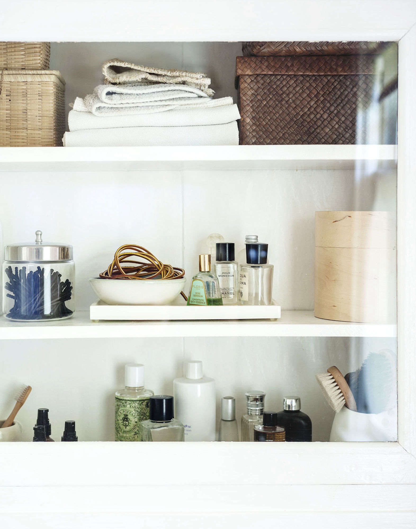 Expert Advice: 10 Tips for Transforming a Rental Bath - Remodelista