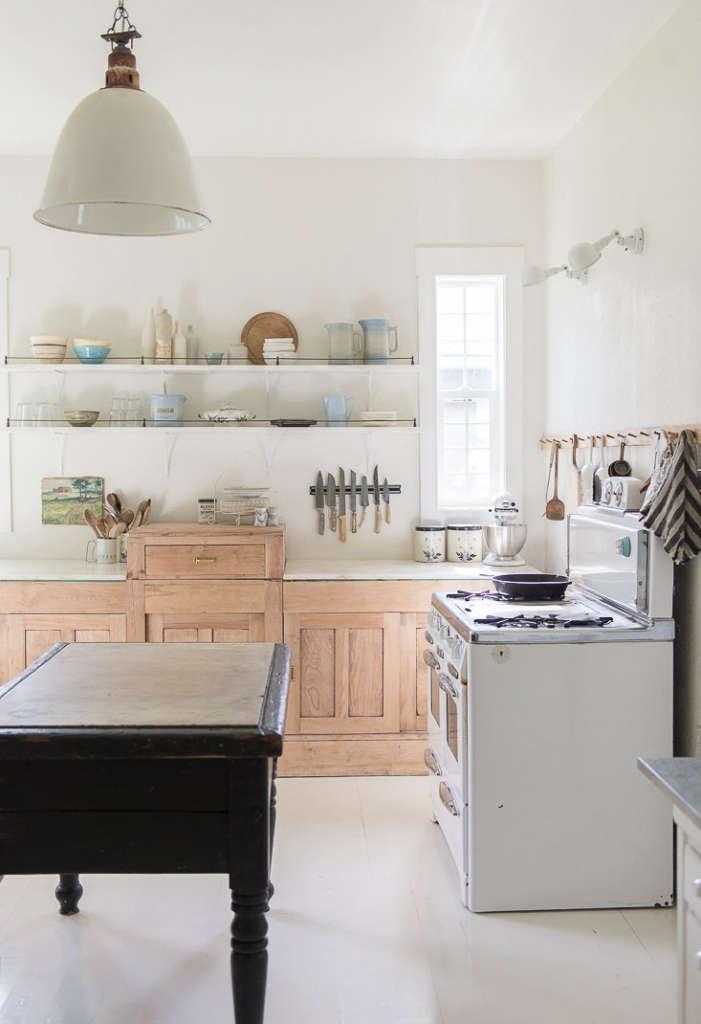 Interior Designer Blog remodelista - sourcebook for the considered home