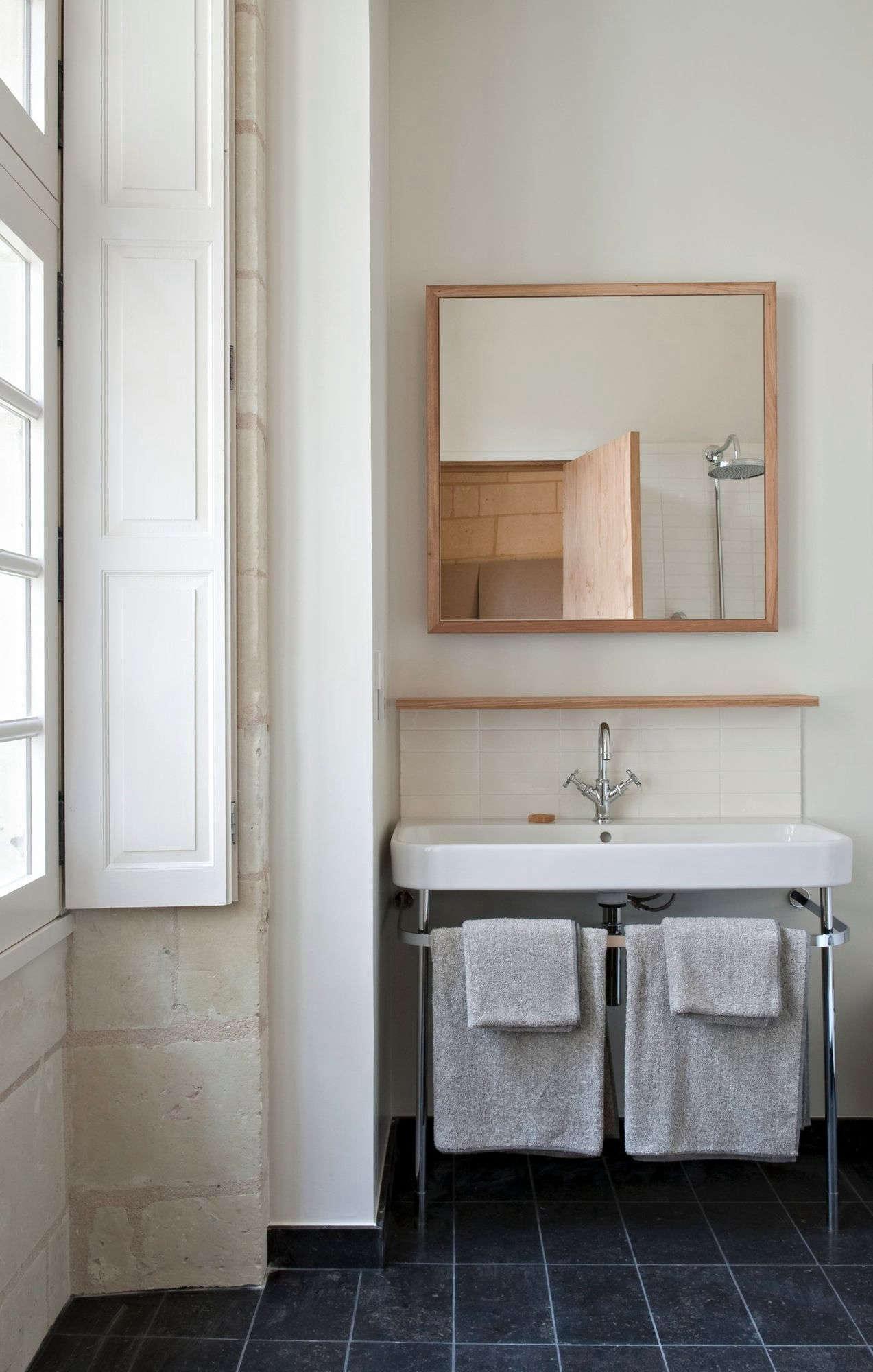 Greatest Hits Favorite Baths à La Française Remodelista - Remodelista bathroom