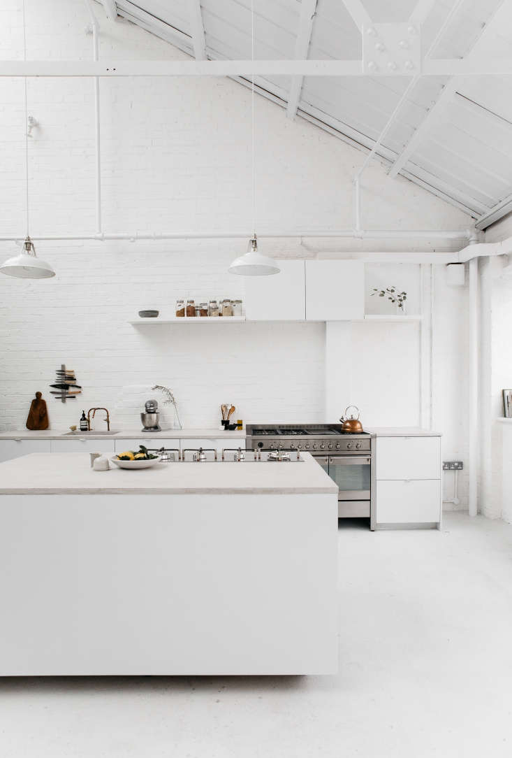 steal this look all white industrial kitchen in london. Black Bedroom Furniture Sets. Home Design Ideas