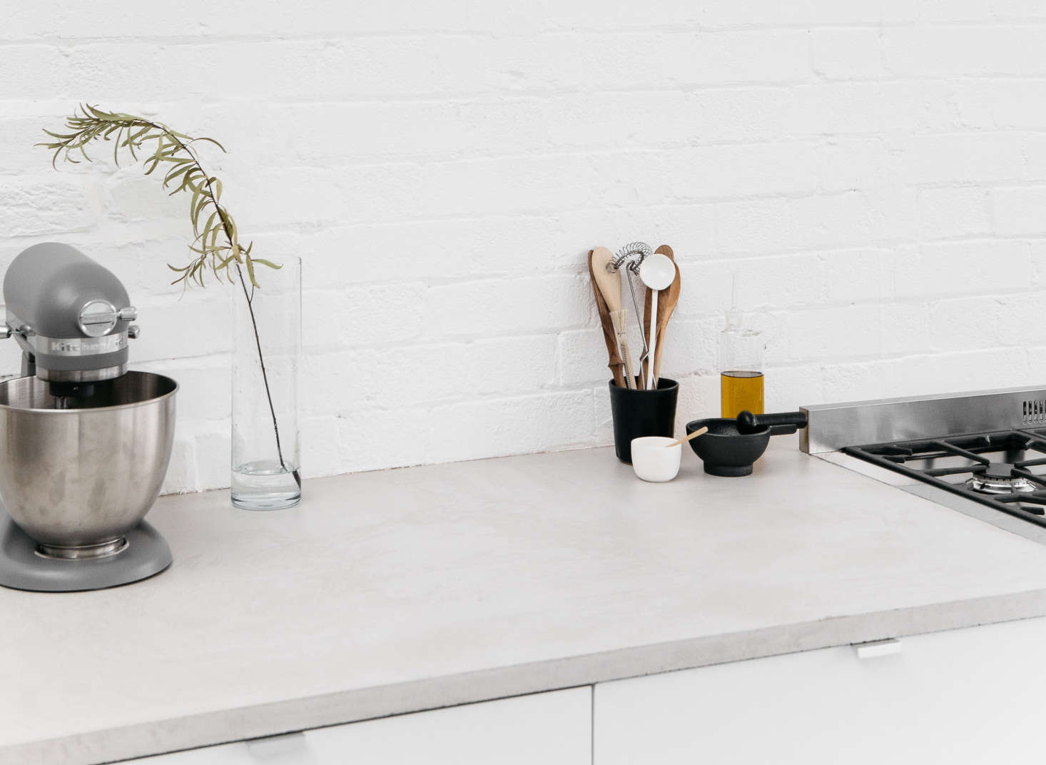 A Kitchen In Huge E East London Has Hybrid Concrete Counters Marine
