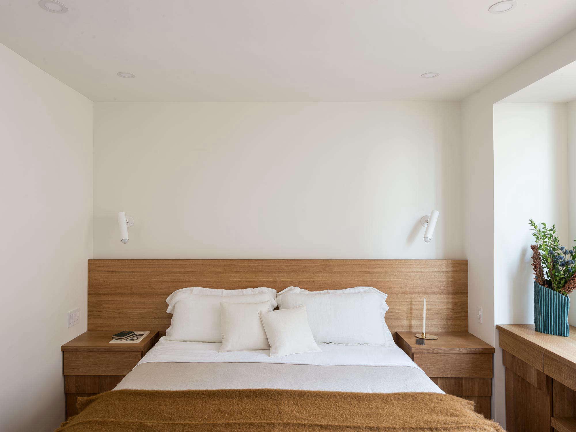 The Artful Shoebox Apartment Workstead