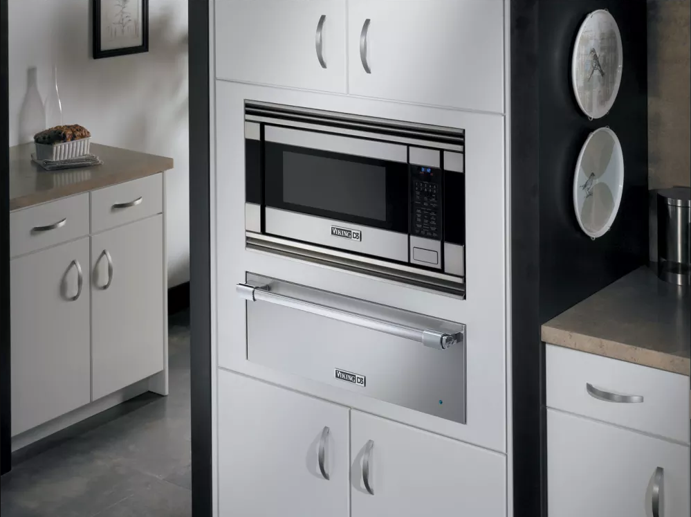 A Built In Viking Microwave Is A Sleek, Discreet (and Expensive) Option