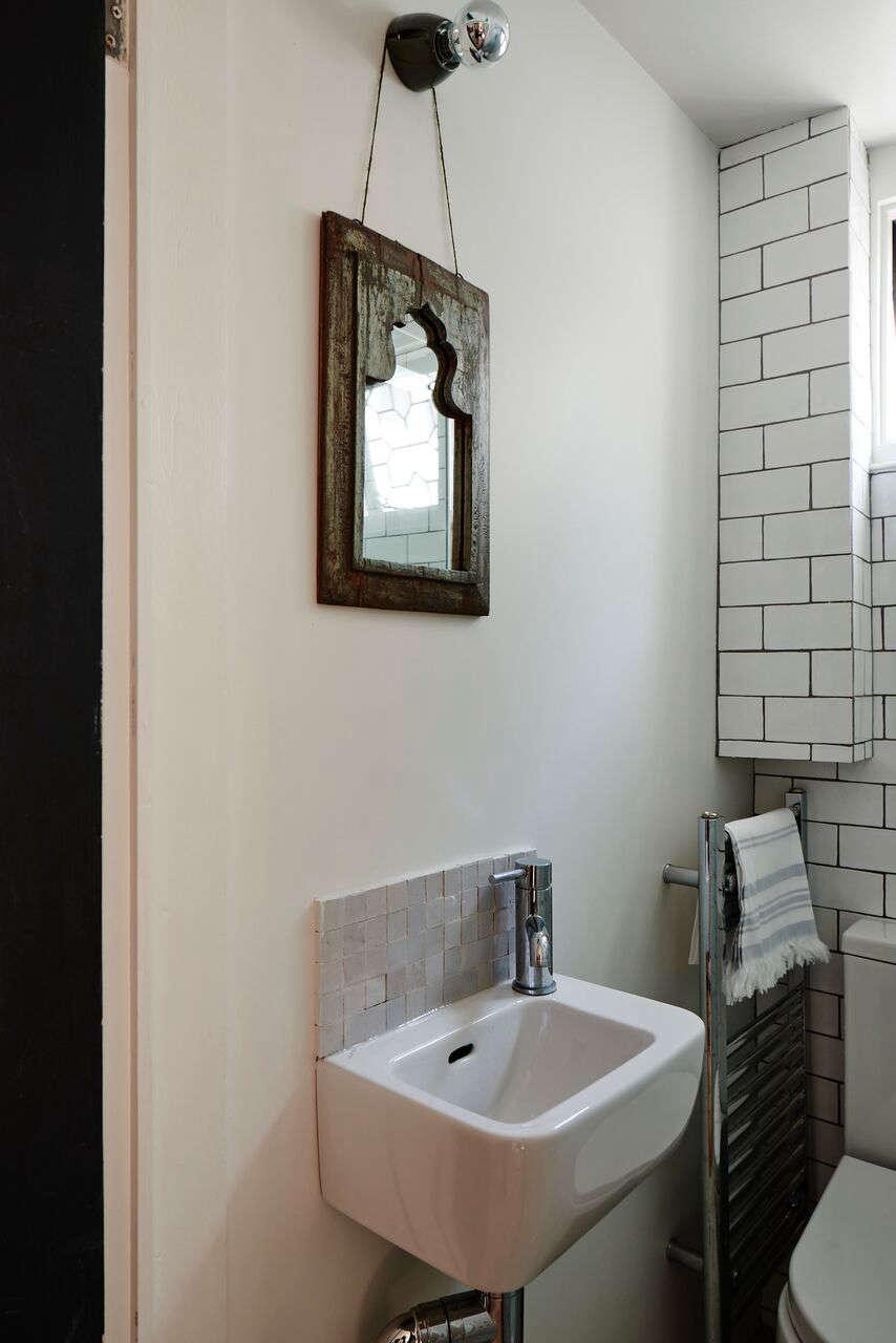 cassandra-ellis-peckham-house-bathroom