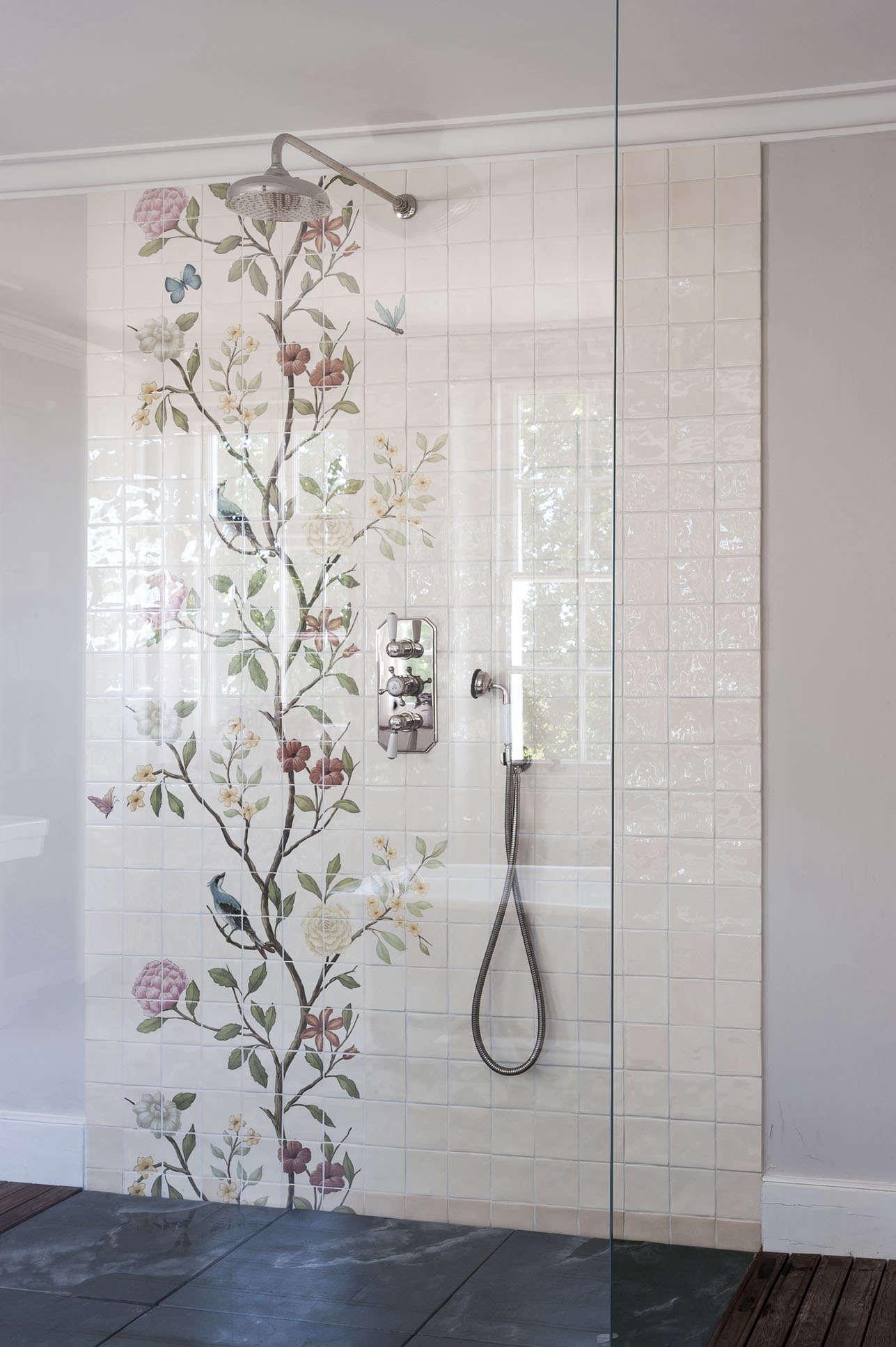 michelle-mckenna-bath-uk-chinoiserie-tile-floral-shower