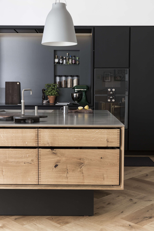 wood-island-stainless-steel-countertops-denmark-garde-Hvalsoe