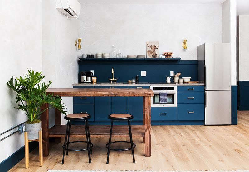 Steal This Look A Boldly Blue Kitchen In Philadelphia By Jersey Ice Fascinating Kitchen Remodeling Philadelphia Painting