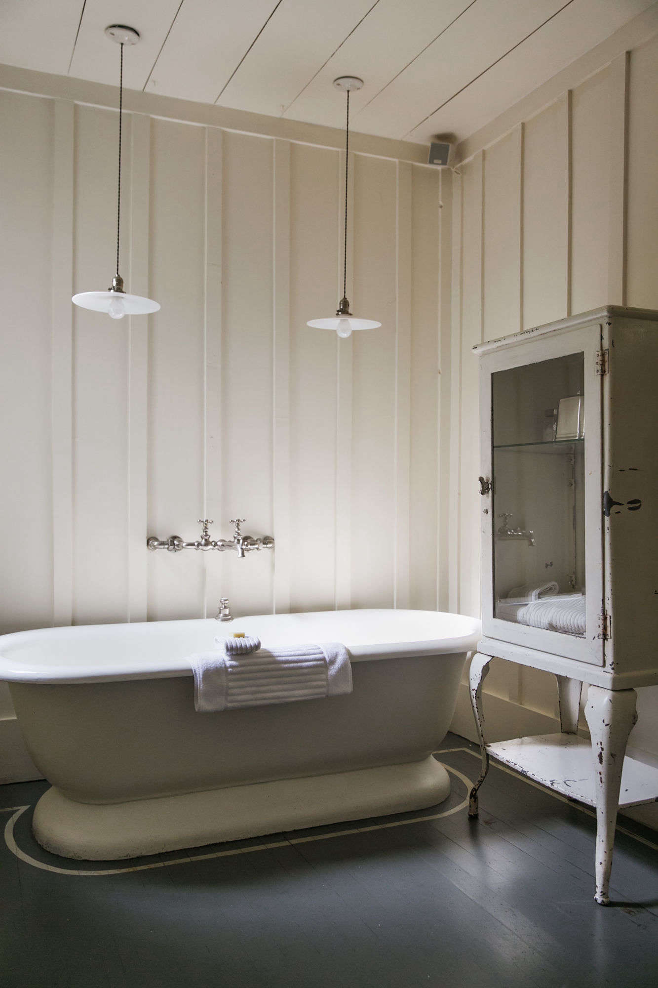 Photograph by Andria Lo for Remodelista from Steal This Look: Manka's Vintage Bath in Inverness, California.