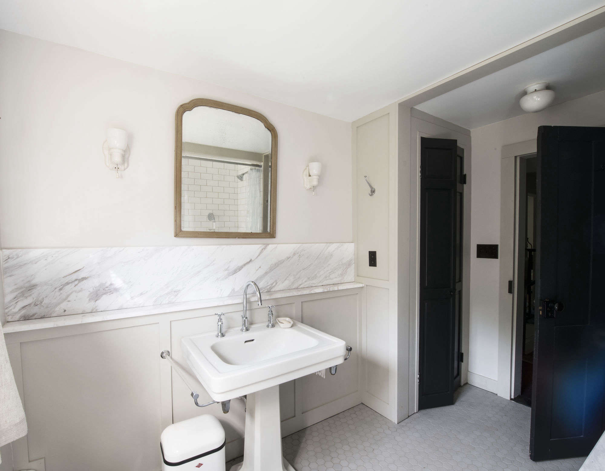 Times square new years eve bathroom - Bathroom Of The Week A 1920s Inspired Bathroom In A Renovated Ny Farmhouse