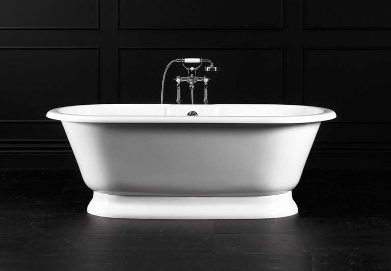 10 easy pieces classic freestanding bathtubs remodelista for Victoria albert clawfoot tub