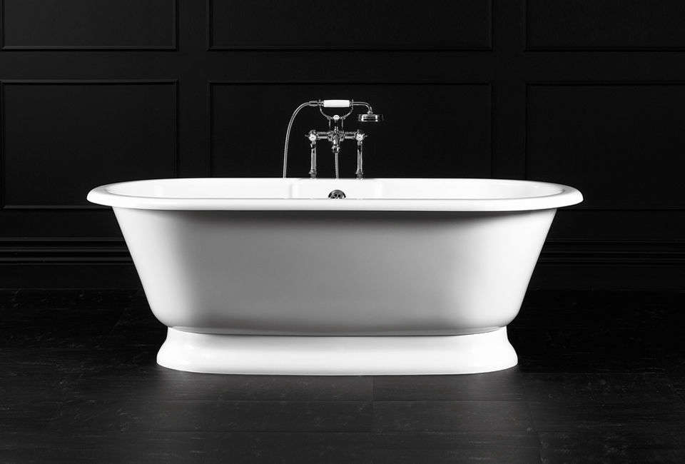 Victoria and albert 39 s york bathtub for Victoria albert clawfoot tub
