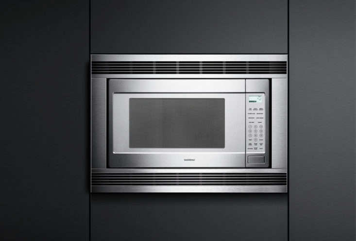 10 easy pieces built in microwaves remodelista for Built in microwave 24 inches wide