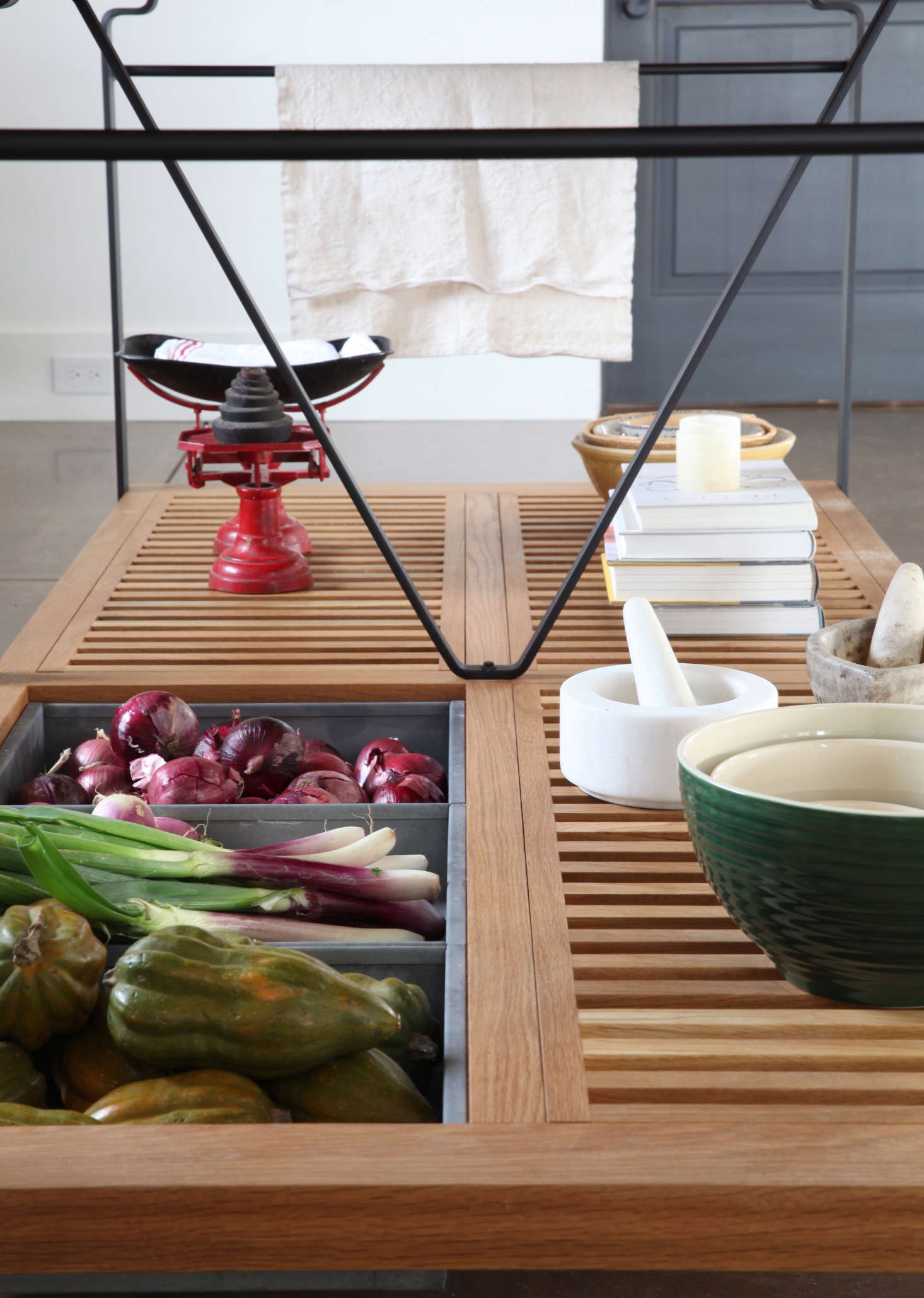 The star of the kitchen is theMarch Worktable by woodworker Matt Bear of Union Studio in Berkeley. It&#8