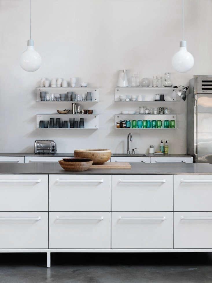 Vipp stainless steel modular home kitchen for Steel modular kitchen designs
