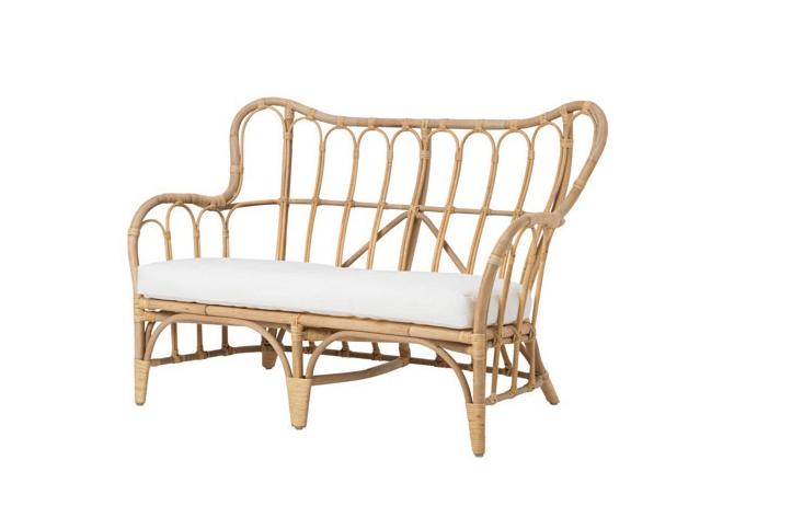 trending on gardenista the summer bedroom remodelista. Black Bedroom Furniture Sets. Home Design Ideas