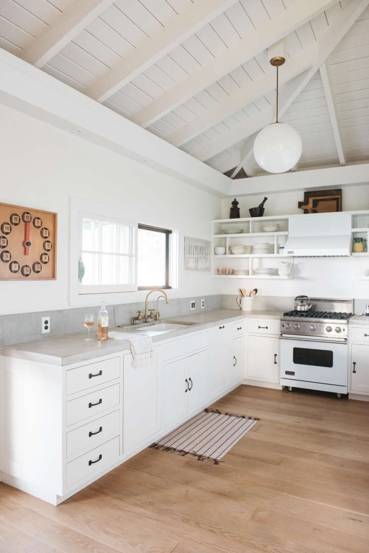 All White Kitchen Steal This Look A Modern Allwhite Kitchen In Maui  Remodelista