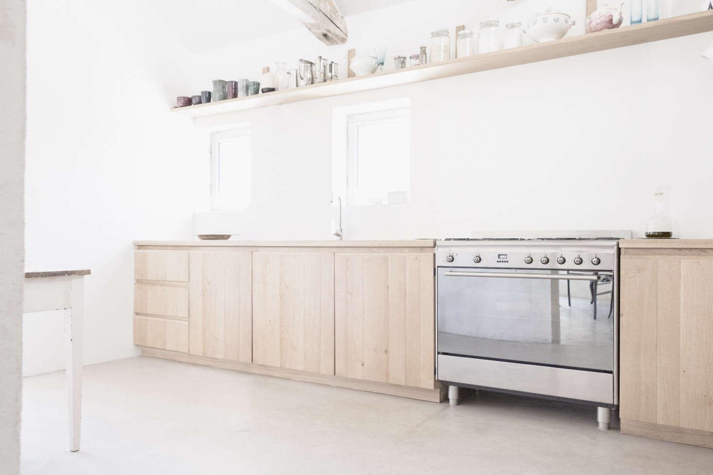Septembre Architecture Sereine Kitchen, Photo by Linus Ricard