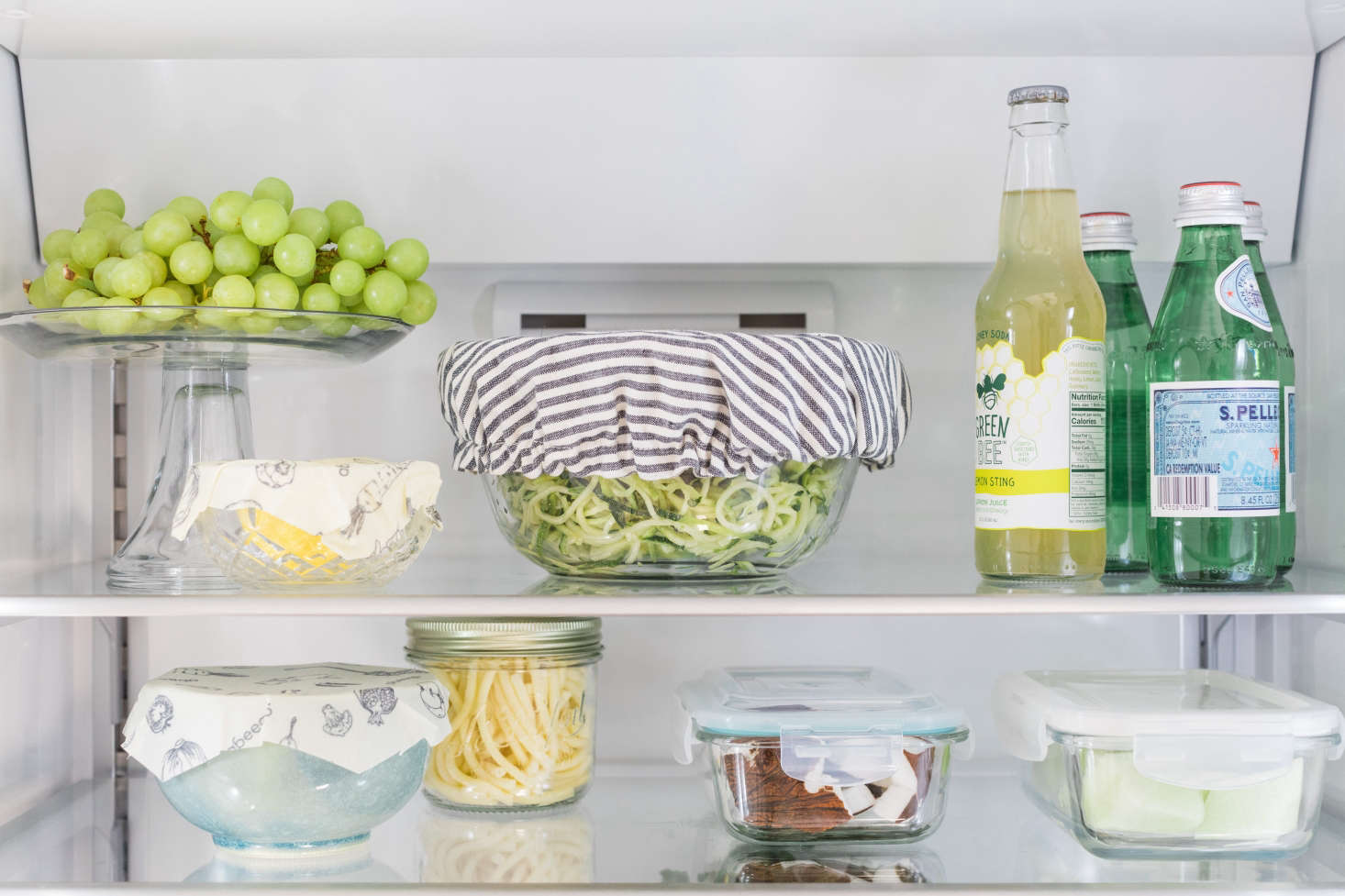 Compact glass storage containers let you see what&#8