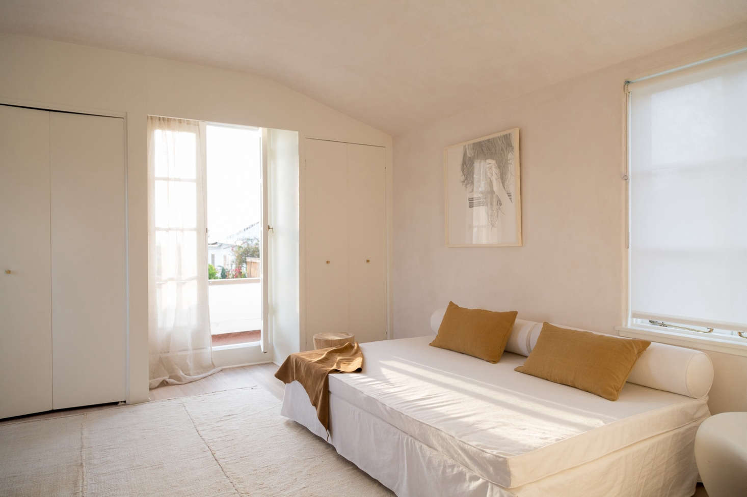 Image of: Steal This Look A Warm Minimal Guest Bedroom In La Remodelista