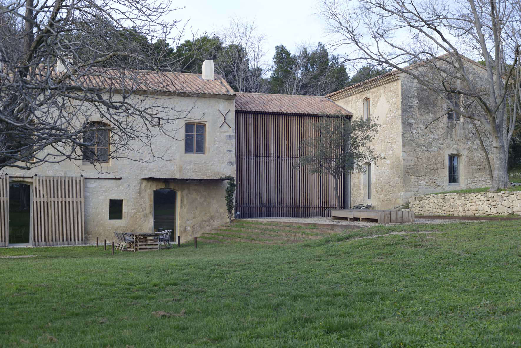 Provence farmhouse provencal style made modern for French farmhouse architecture