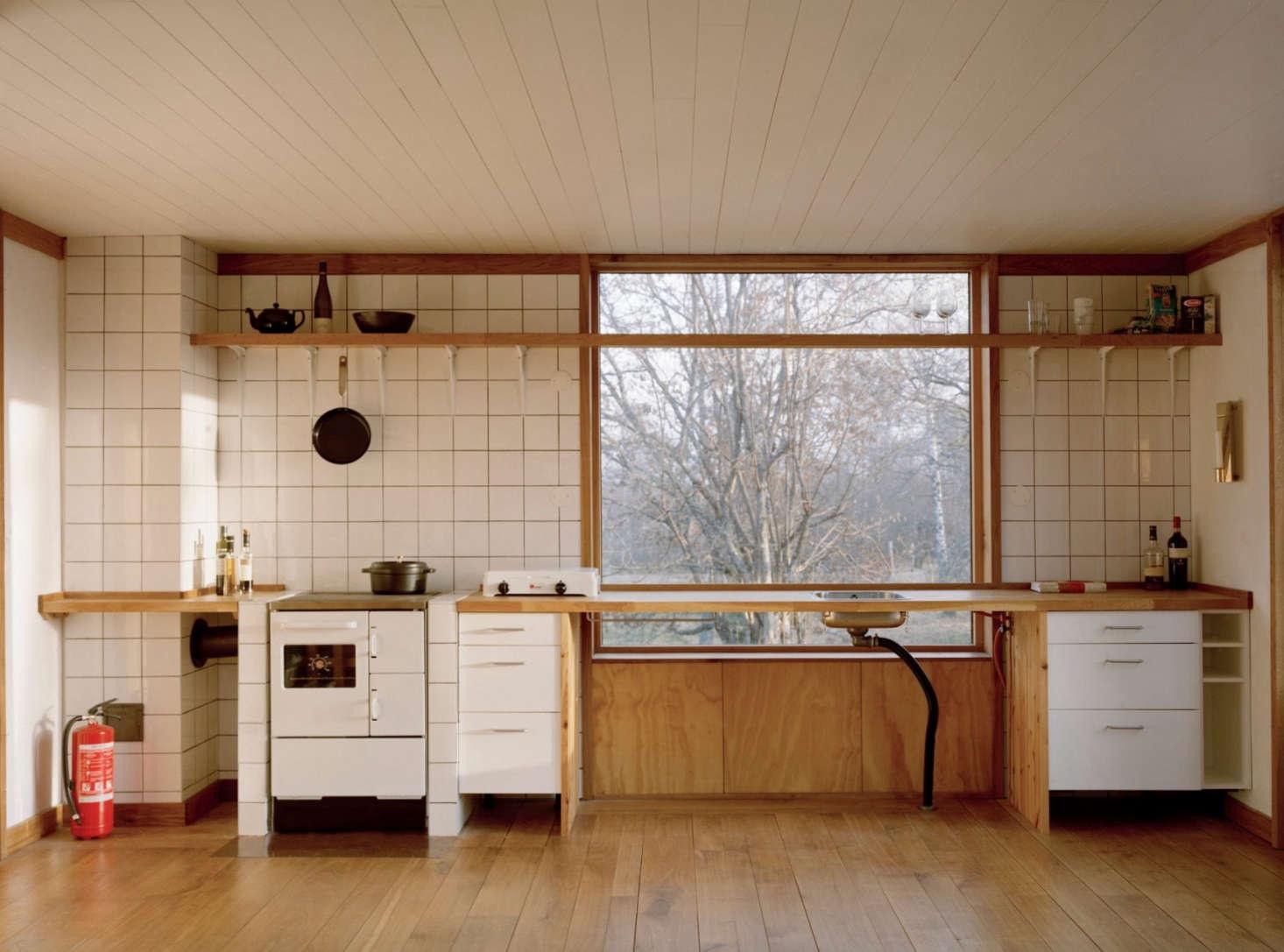 Scandinavian Simplicity: A Reimagined Swedish Summerhouse