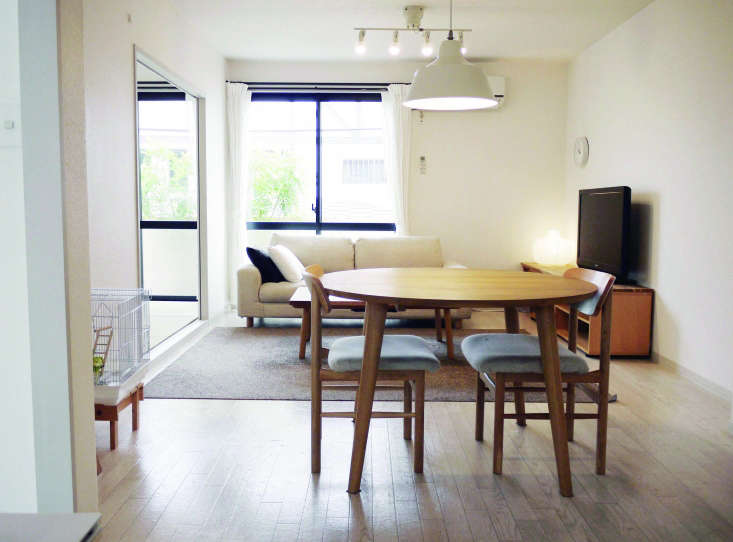 Expert Advice How To Become A Minimalist By The Author Of. Living Room :  Delectable White Dining ... Part 42
