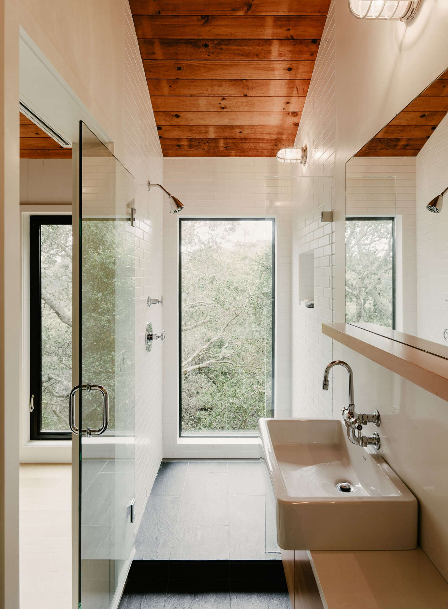 A Walk In Shower In California Idyll: A Pitched Roof Midcentury Revival With