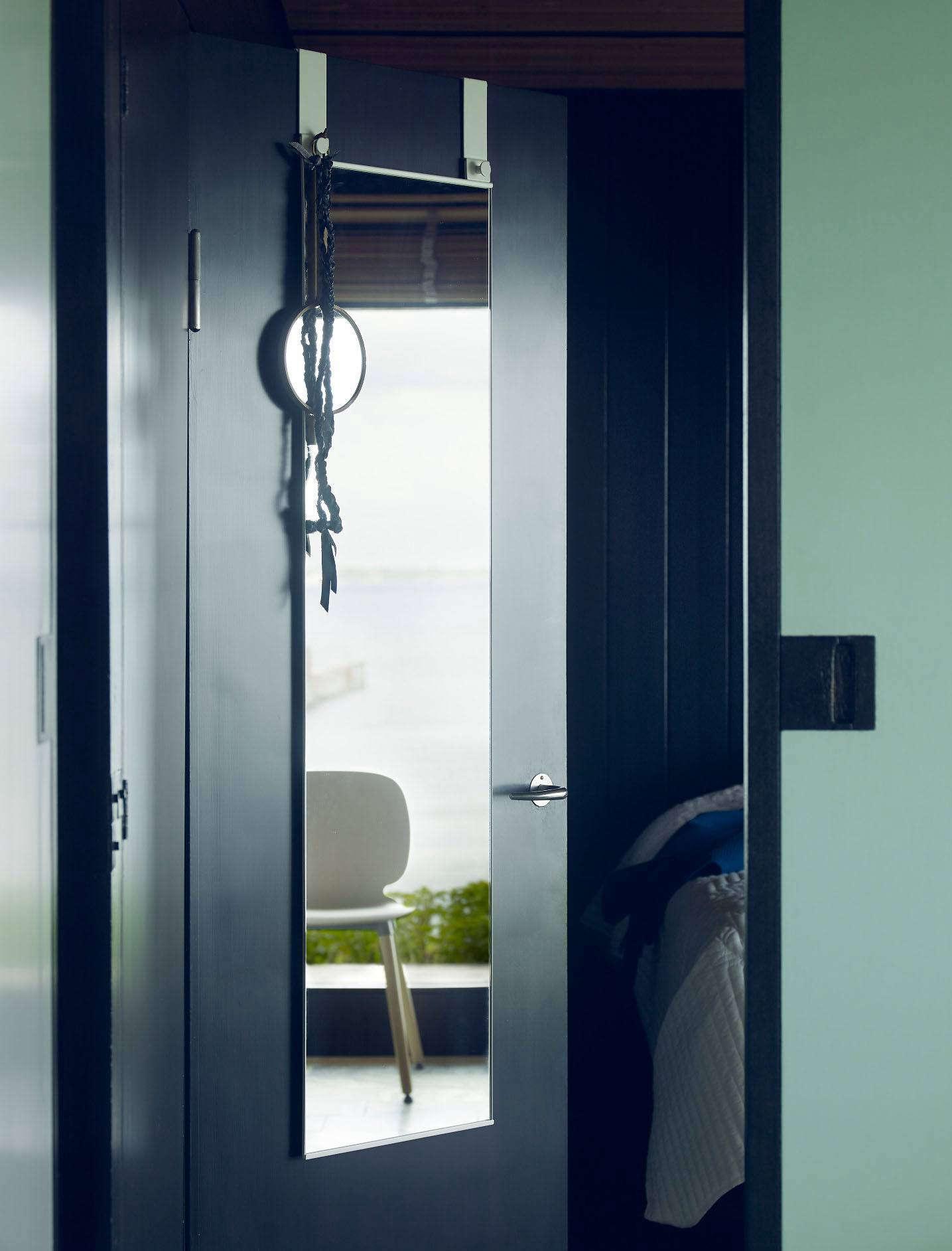 beyond bed bath beyond 18 dorm room essentials for the back to school set remodelista. Black Bedroom Furniture Sets. Home Design Ideas