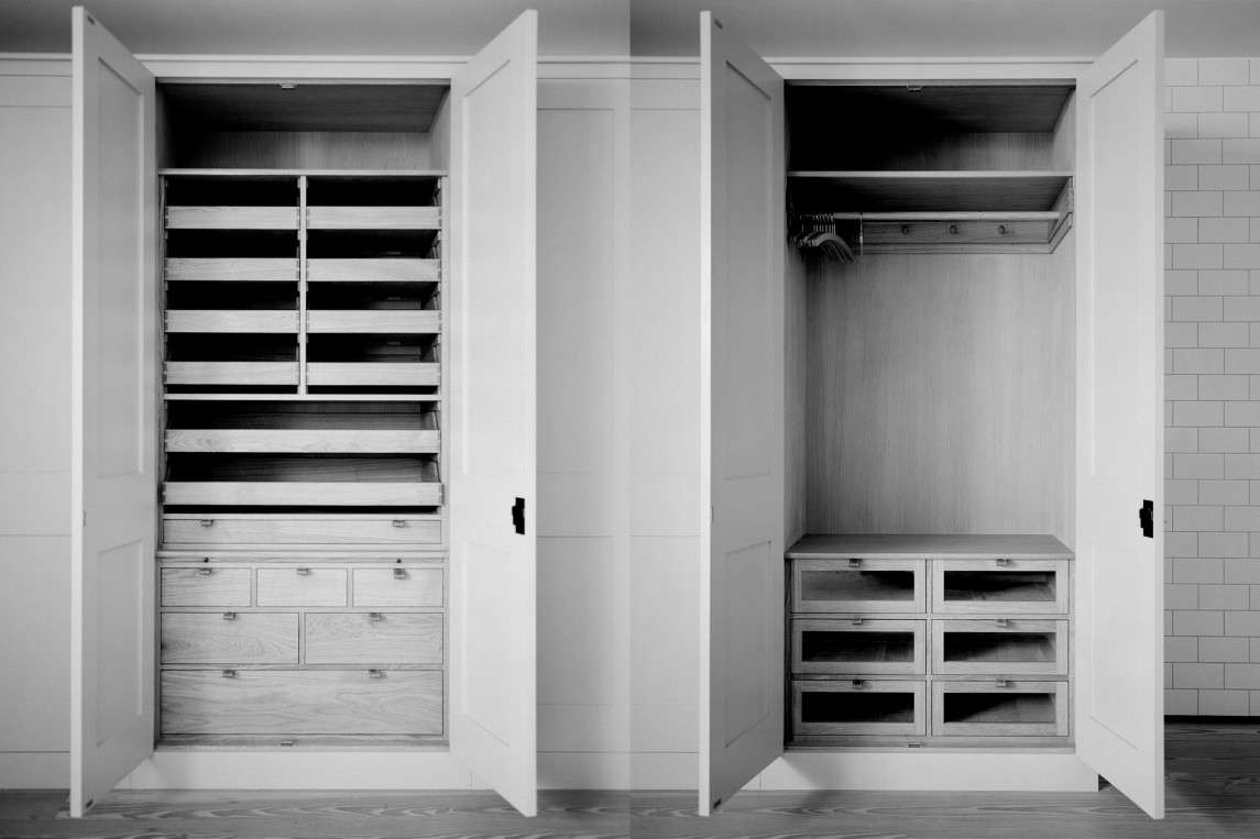 Is the luxury closet the new bespoke kitchen? We think so; here's an example from the custom kitchen masters of Plain Englishwho applied the same tricks of kitchen cabinet to a wardrobe interior.