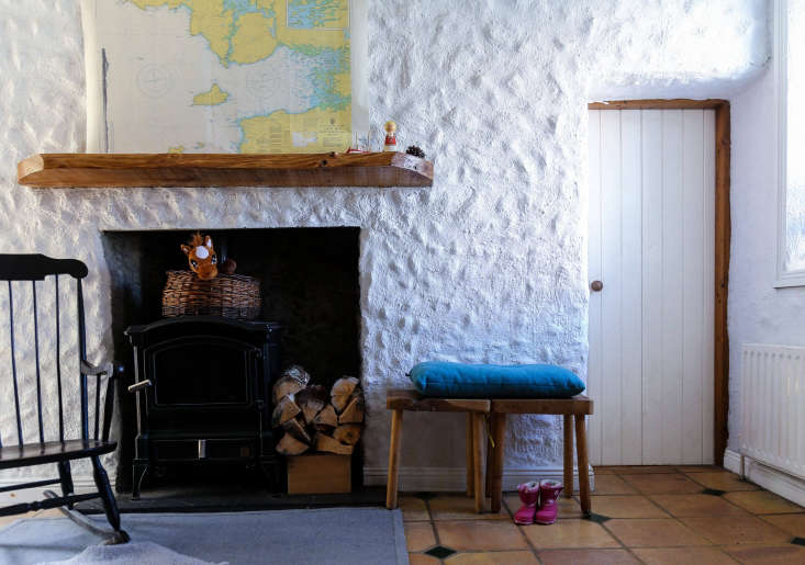 Irish Cottage Living Room Belonging To Jo Anne Butler And Gearoid Muldowney Of Superfolk